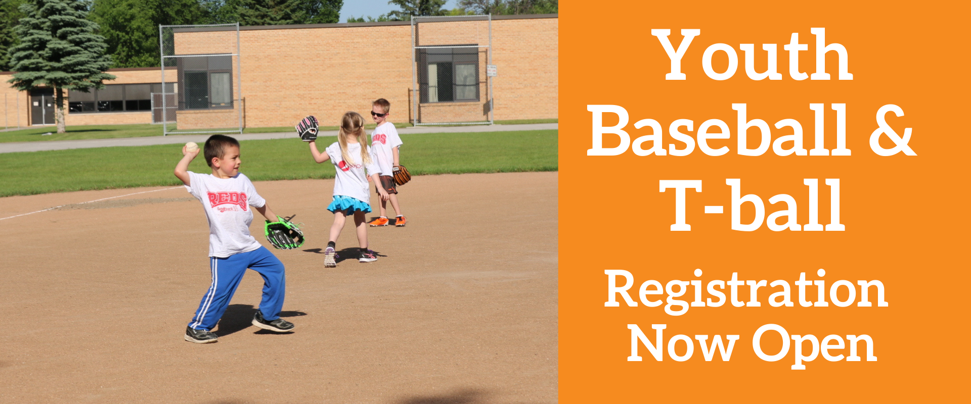 This graphic shows that Youth Baseball and T-ball registration is now open.